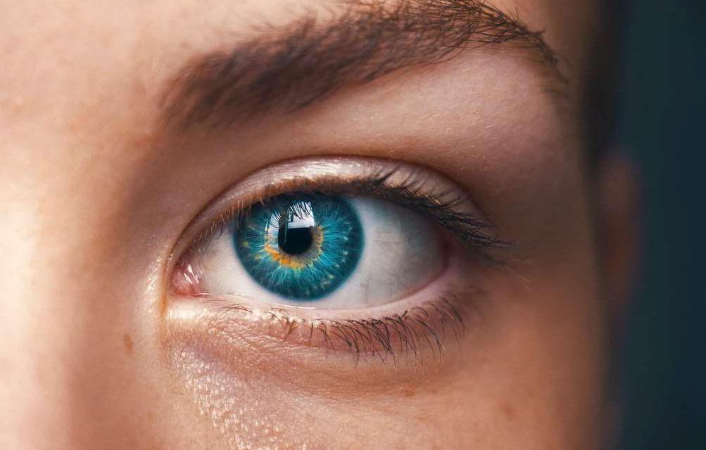 lente foco extendido ¿A qué se deben los destellos de luz en los ojos?